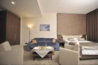 Новый отель в Аркадии с электрозаправками – Bossfor